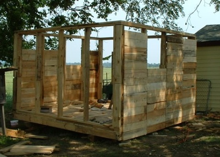 Diy wood pallet chicken coop Chicken coop from pallet wood