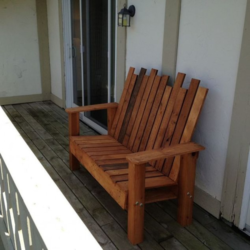 DIY Wood Pallet Outdoor Bench