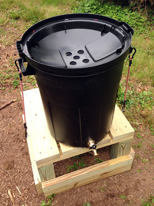 diy garbage can rain barrel